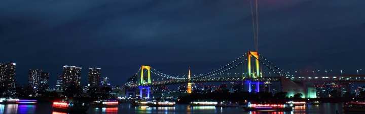 Rainbow_Bridge_(Tokyo)_-_Fireworks_4