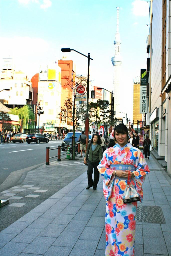 กิโมโนสวยๆ ถ่ายรูปที่วัดอาซาคุสะแบบใสๆ