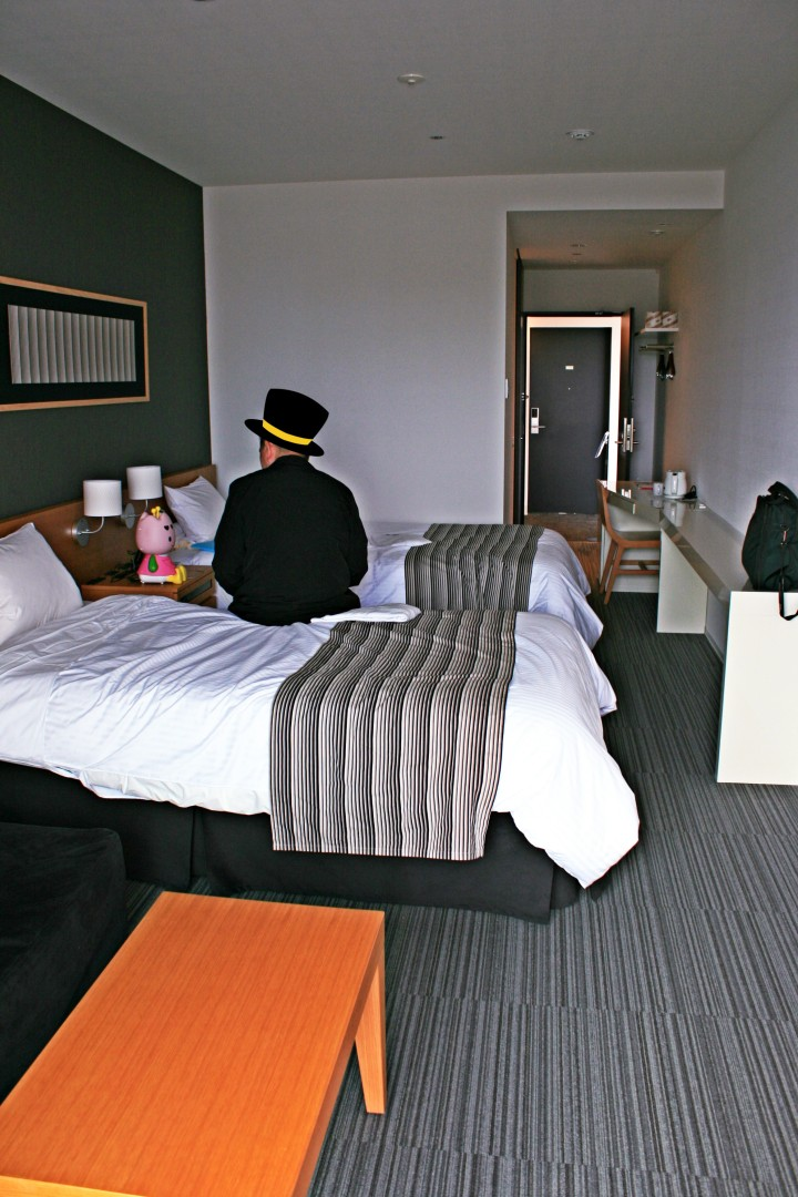 โรงแรมหุ่นยนต์ในญี่ปุ่น Henn-Na Hotel
